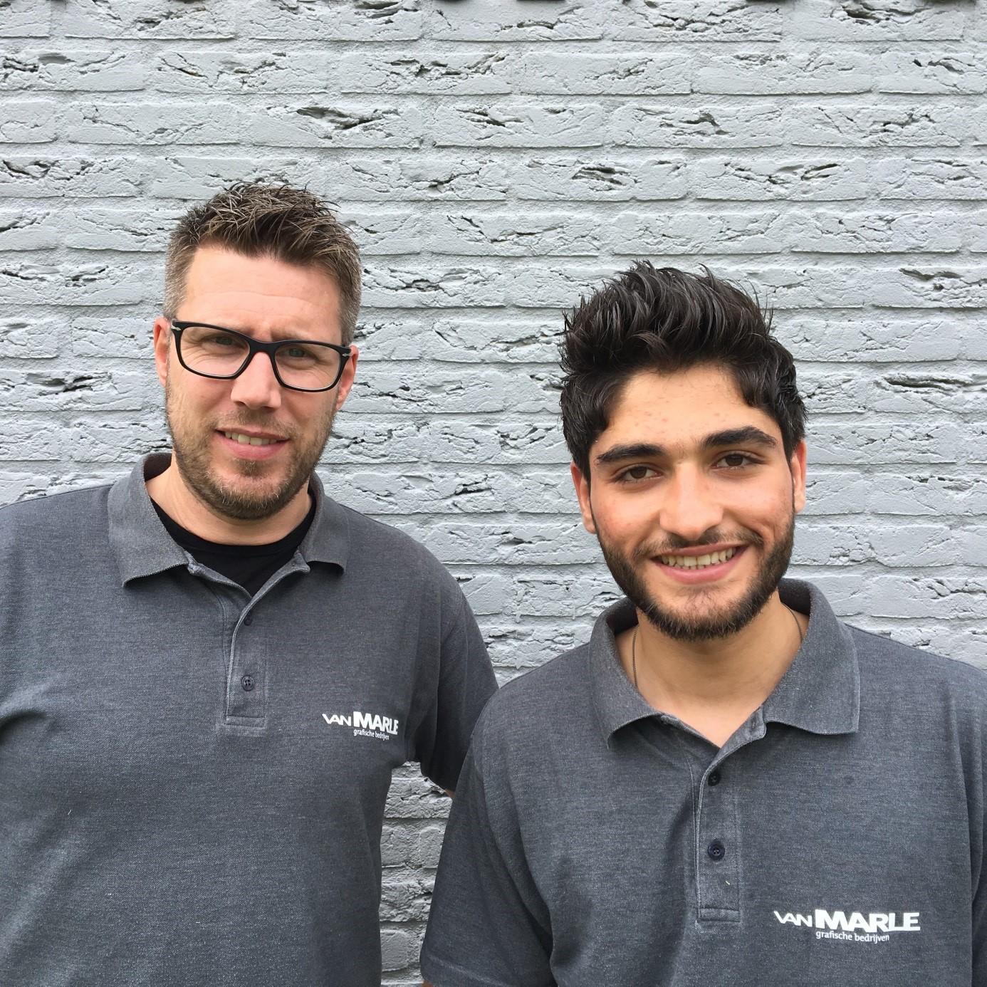 Roy van der Veen en Amhad Alkhateeb Alkasswani van Van Marle Drukkerij